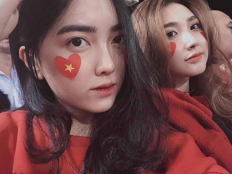 Kể nhanh chuyện tình yêu của Chinh Đen và Mai Hà Trang: Bị fan tóm cảnh hẹn hò, lộ ảnh về ra mắt gia đình và quyết định công khai - Ảnh 7.