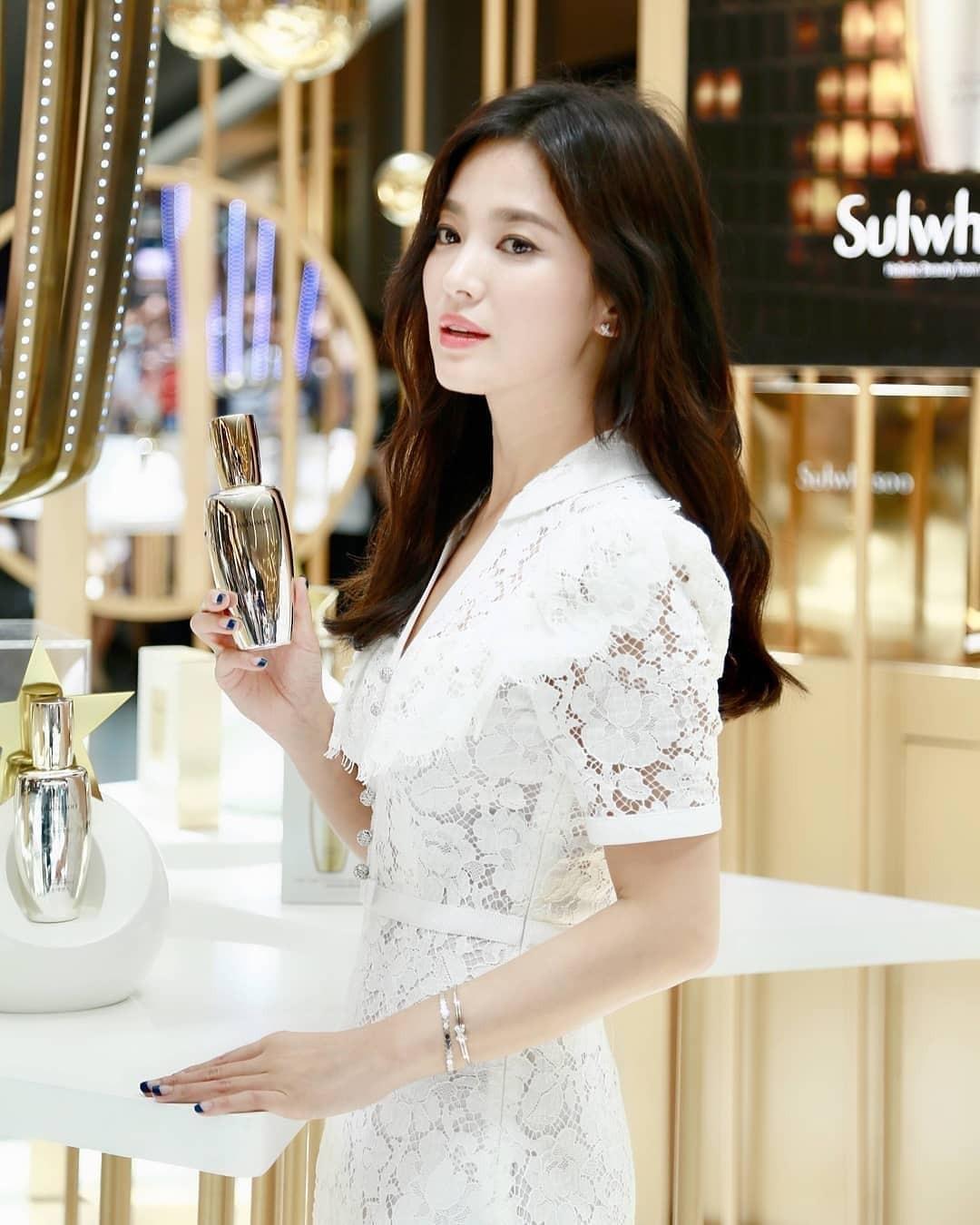 Clip đưa Song Hye Kyo lên top 1 tin hot nhất Hàn: Nhờ 1 câu nói của fan, mỹ nhân nở nụ cười đầu tiên giữa bão ly hôn - Ảnh 6.
