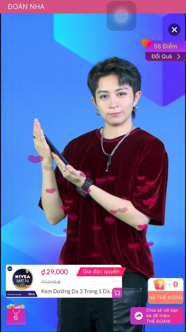 Soi phong cách thời trang của dàn MC đình đám gameshow Đoán Giá - Ảnh 1.