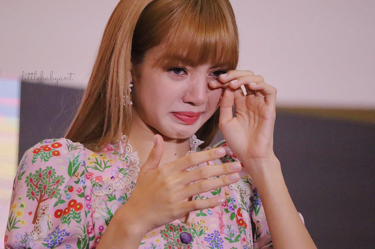 Vấn nạn kỳ thị idol ngoại quốc tại showbiz Hàn: Quá nhiều góc khuất, tương lai nào cho thần tượng đến từ nước ngoài? - Ảnh 1.