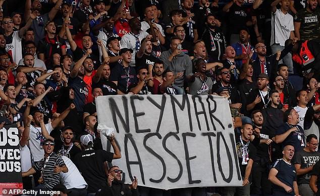 Cầu thủ đắt giá nhất thế giới vừa bị chính fan đội nhà ghẻ lạnh, sỉ nhục thậm tệ - Ảnh 1.