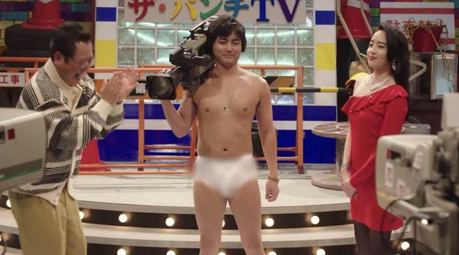 The Naked Director: Từ ngượng đỏ mặt đến vỗ tay thán phục, Netflix lại có phim hay gắn nhãn em đã 18! - Ảnh 3.