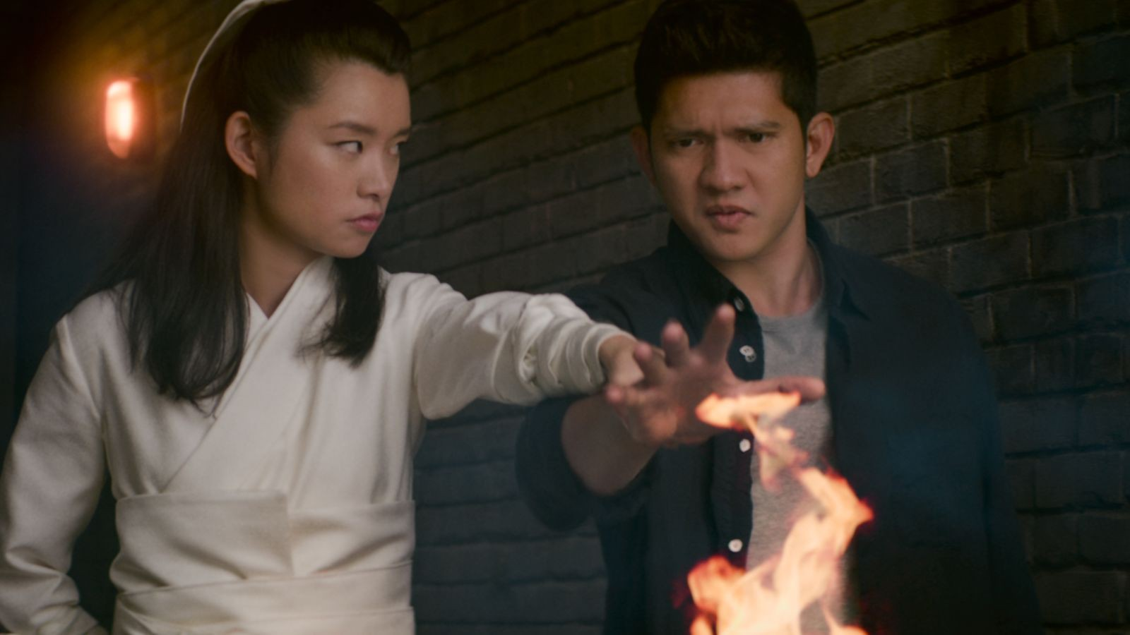 Wu Assassins: Mỹ nam Đông Nam Á biến hình như Doctor Strange nhưng tiếc thay kịch bản lại thiếu muối - Ảnh 2.