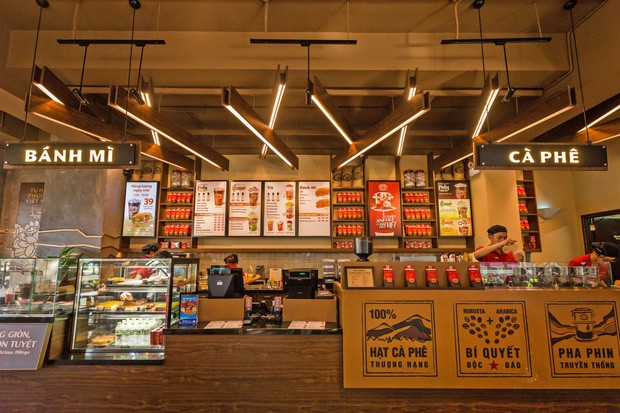VZN News: Highlands Coffee vẫn phục vụ đồ nhựa cho khách như một điều tất nhiên: Nhiều người lắc đầu ngán ngẩm Vì sao nhất định không thay đổi? - Ảnh 5.
