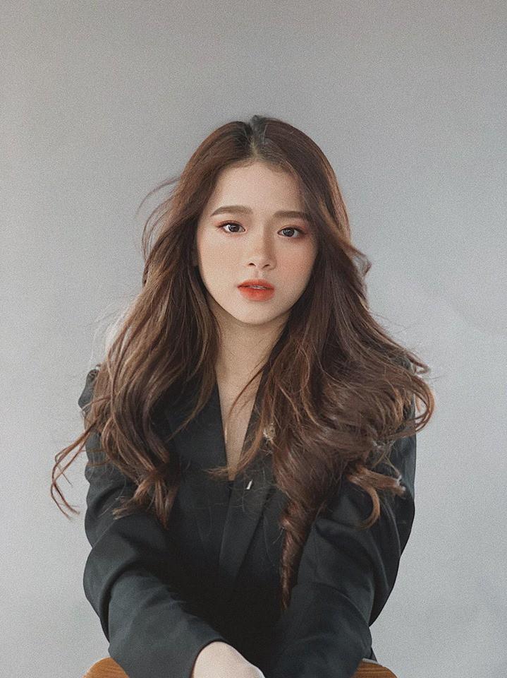 VZN News: Hot girl 10X Linh Ka có tài năng gì mà trở thành Nhà sáng tạo nội dung Lotus? - Ảnh 2.