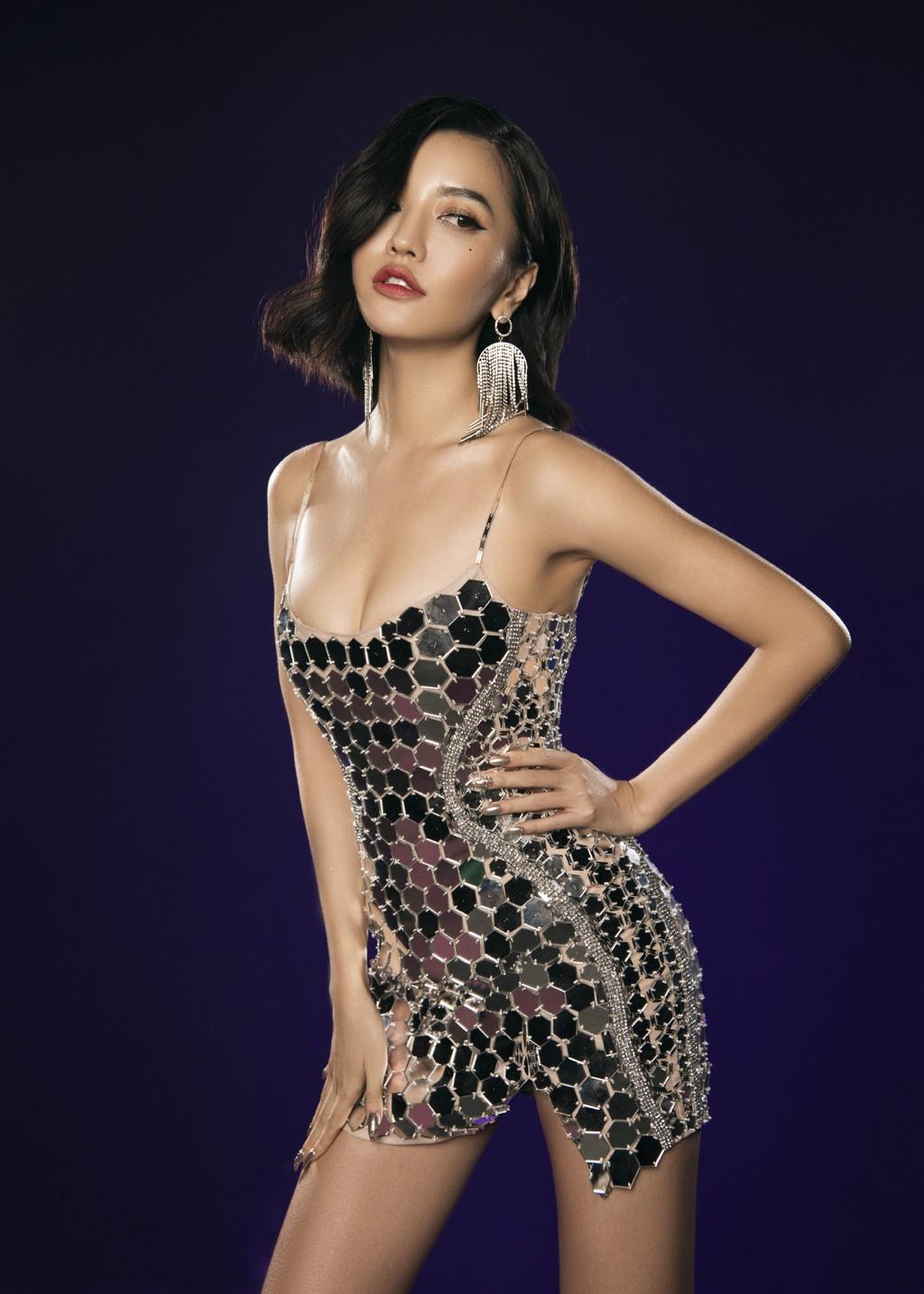 VZN News: Bích Phương đụng Ngọc Trinh: Đầm đã bốc như thế này thì mặc vào, nàng nào đu đưa hơn? - Ảnh 1.