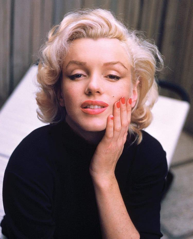 VZN News: Bi kịch biểu tượng sex Hollywood Marilyn Monroe: Mẹ hóa điên, 5 lần 7 lượt bị xâm hại, 3 lần qua đò và cái chết bí ẩn - Ảnh 8.