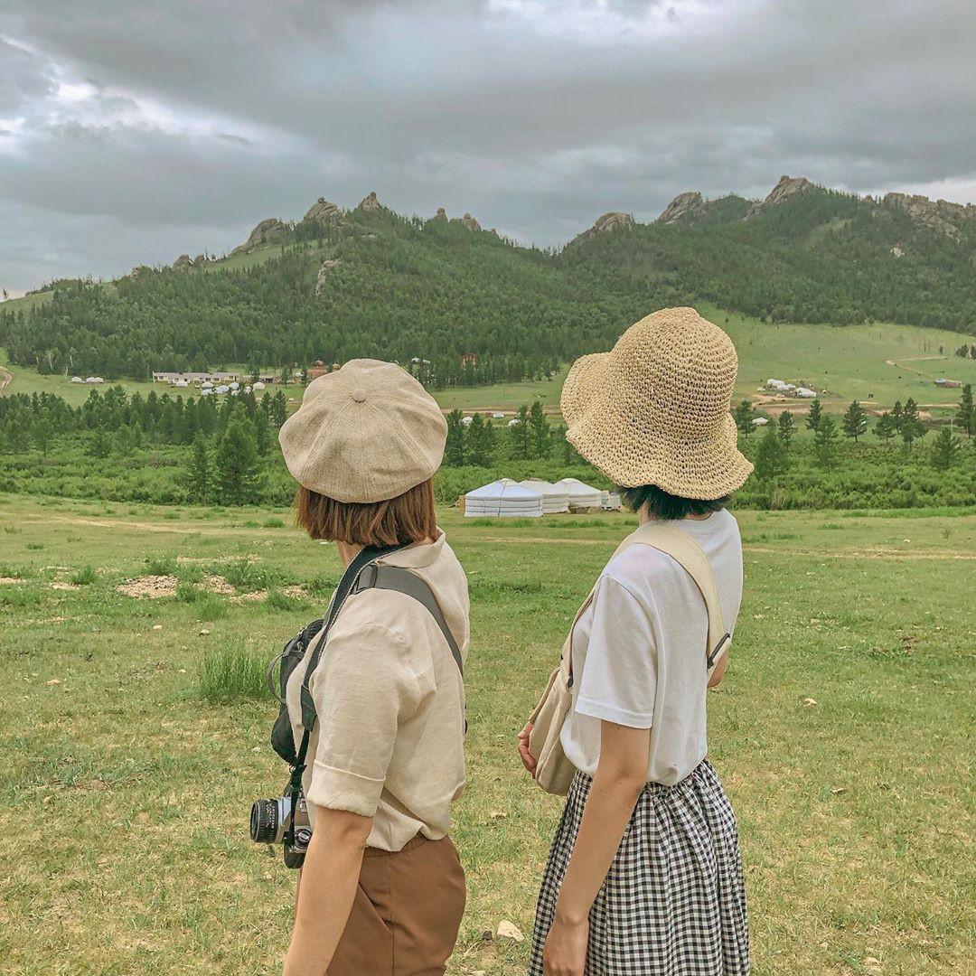 """VZN News: Đi du lịch nhưng vẫn muốn bắt trend """"đu đưa"""", học ngay cặp bạn thân Hàn Quốc này để về nhà hốt ảnh trăm like bạn nhé! - Ảnh 10."""
