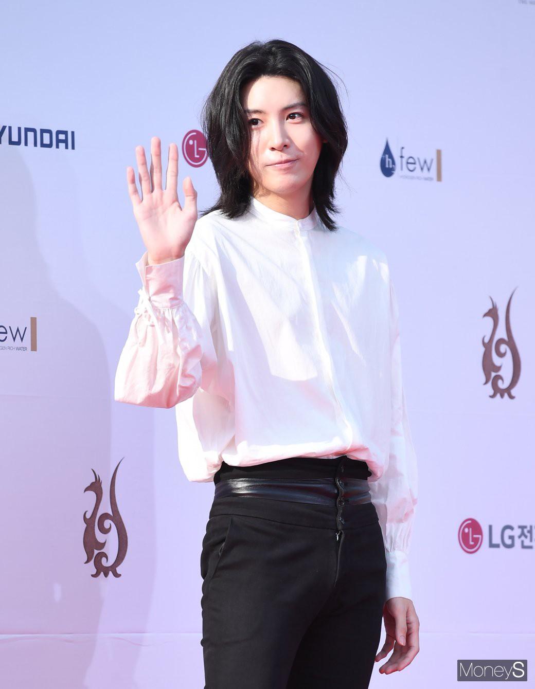 VZN News: Thảm đỏ Seoul Drama Awards: Trương Ngọc Ánh - Anh Dũng tự tin, Ji Chang Wook quá bảnh, Jang Nara bị dàn mỹ nhân lấn át - Ảnh 29.