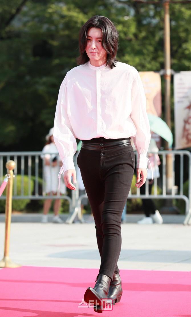 VZN News: Thảm đỏ Seoul Drama Awards: Trương Ngọc Ánh - Anh Dũng tự tin, Ji Chang Wook quá bảnh, Jang Nara bị dàn mỹ nhân lấn át - Ảnh 28.
