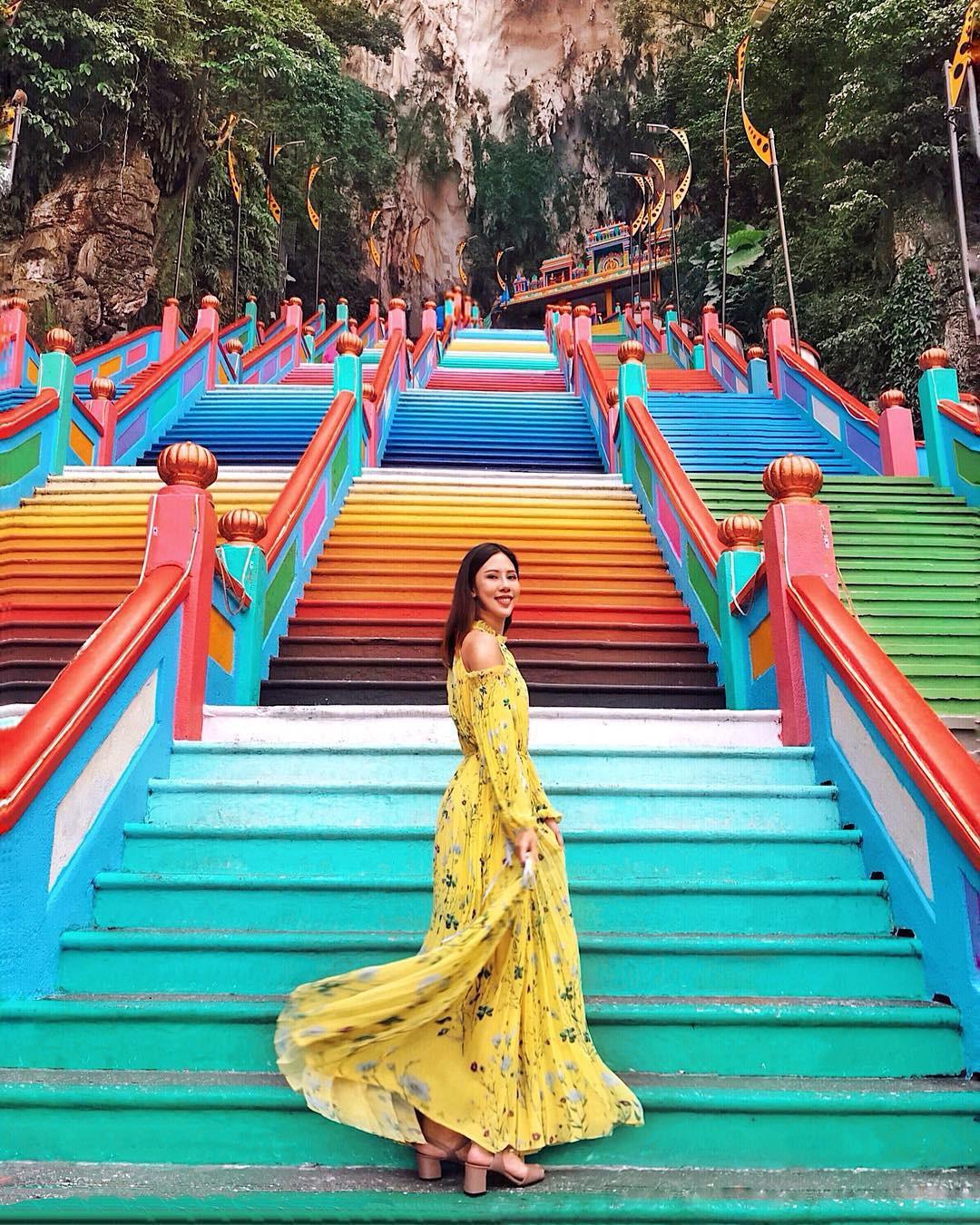 VZN News: Nữ travel blogger chia sẻ bí kíp sống ảo tại động Batu nổi tiếng để lúc đi vắng người, khi về thì hốt trọn ảnh xinh - Ảnh 1.