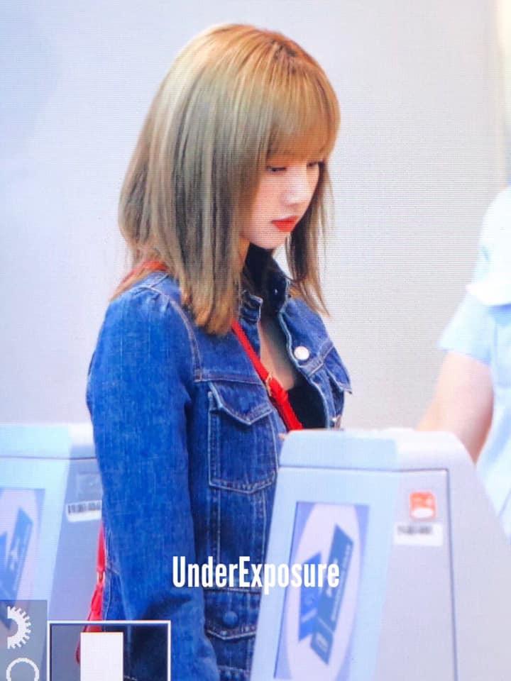 VZN News: Màn đọ sắc cực hiếm của 2 thánh eo thon Lisa và Taeyeon tại sân bay: Idol hot nhất Gen3 liệu có vượt mặt đàn chị? - Ảnh 16.