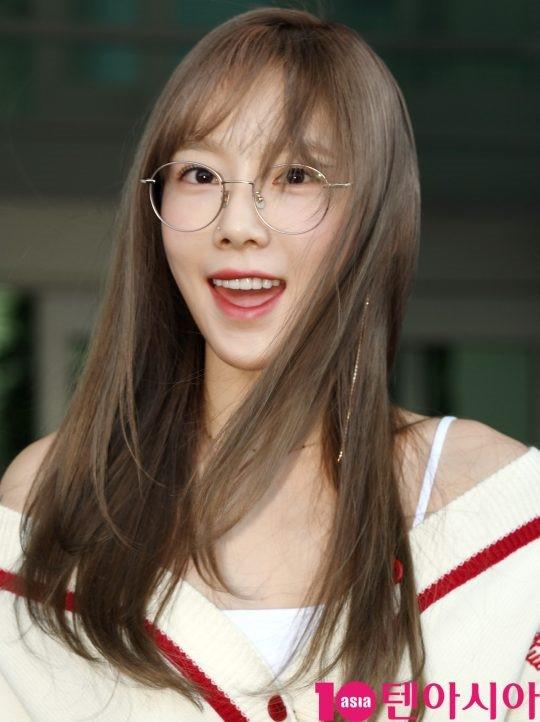 VZN News: Màn đọ sắc cực hiếm của 2 thánh eo thon Lisa và Taeyeon tại sân bay: Idol hot nhất Gen3 liệu có vượt mặt đàn chị? - Ảnh 7.