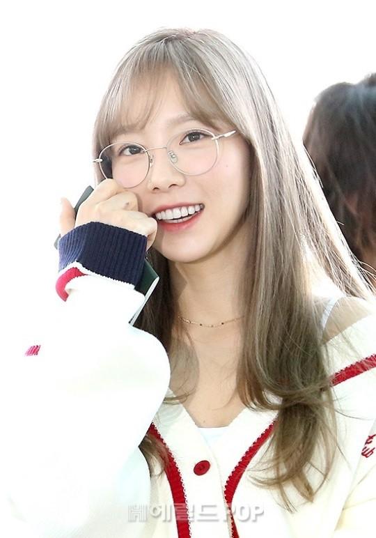 VZN News: Màn đọ sắc cực hiếm của 2 thánh eo thon Lisa và Taeyeon tại sân bay: Idol hot nhất Gen3 liệu có vượt mặt đàn chị? - Ảnh 8.