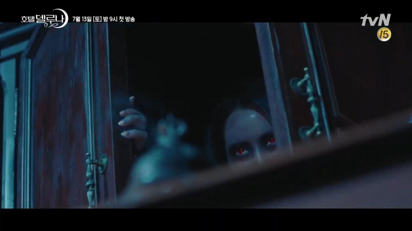 Không chỉ dọa người ta sợ mất vía, mấy hồn ma Hotel Del Luna còn lên án hàng loạt vấn nạn xã hội đáng sợ xứ Hàn - Ảnh 2.