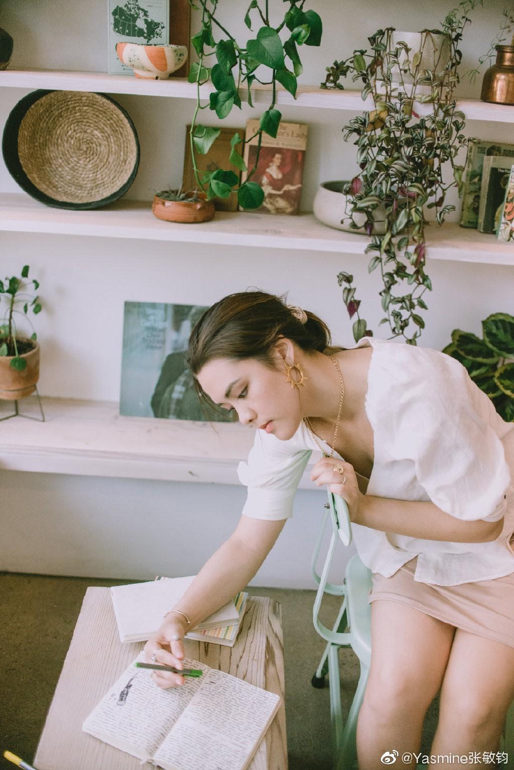 VZN News: Nhan sắc cô con gái sinh năm 1998 của Bom sex gốc Việt gây bão: Thừa hưởng gen mỹ nhân, đẹp không lẫn bất cứ ai - Ảnh 6.