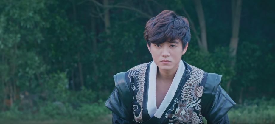 VZN News: Hương Ly chính thức debut bằng MV xuyên không trên nền nhạc ballad đẫm nước mắt, liệu có thành công như khi hát cover? - Ảnh 7.