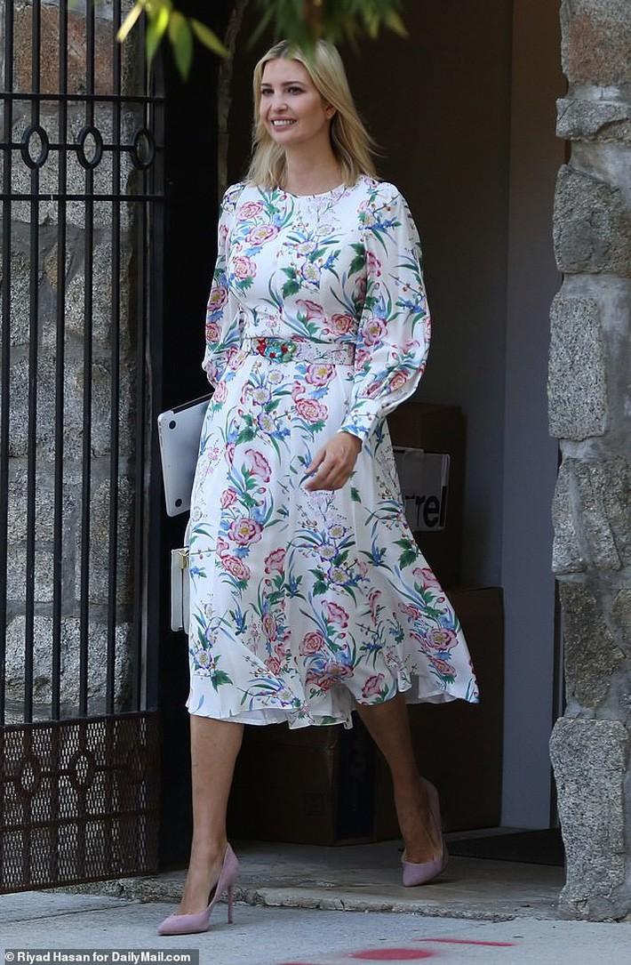 VZN News: Mặc đẹp cũng khổ: con gái Tổng thống Trump mặc lại váy cũ vẫn bị dị nghị chỉ vì mặc... quá đẹp - Ảnh 1.