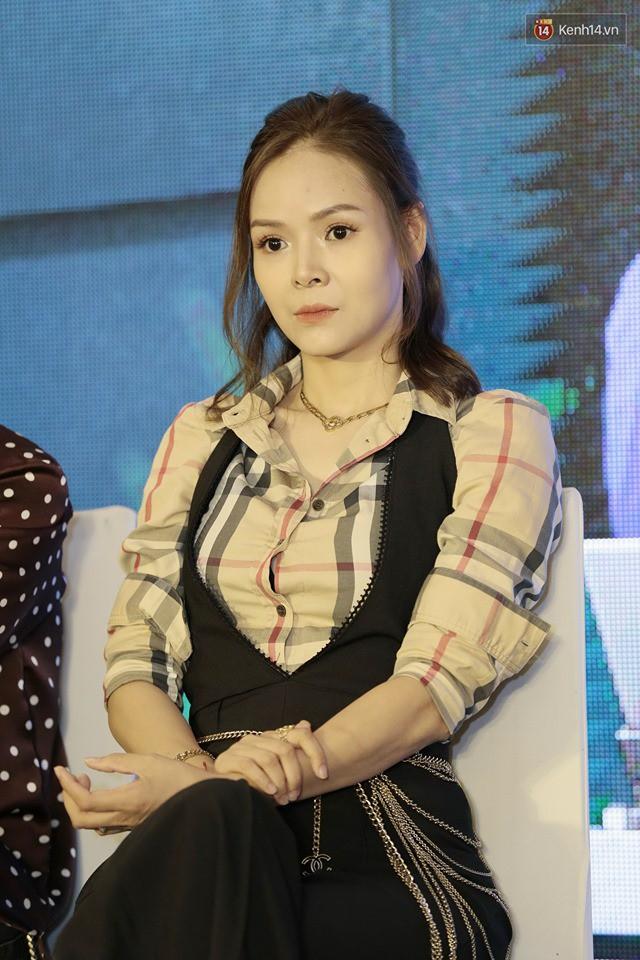 Diện đầm xòe công chúa, mẹ chồng quốc dân Lan Hương chặt đẹp dàn mỹ nhân phim nối sóng Về Nhà Đi Con - Ảnh 7.