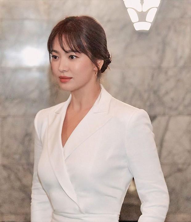 2 tháng sau cuộc ly hôn ngàn tỷ, Song Hye Kyo chia sẻ 1 câu khiến công chúng thở phào nhẹ nhõm - Ảnh 1.