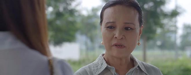 3 bà mẹ chồng thay con dâu xử tiểu tam trên màn ảnh Việt: Bà Hồng (Hoa Hồng Trên Ngực Trái) đã cao tay nhất? - Ảnh 9.