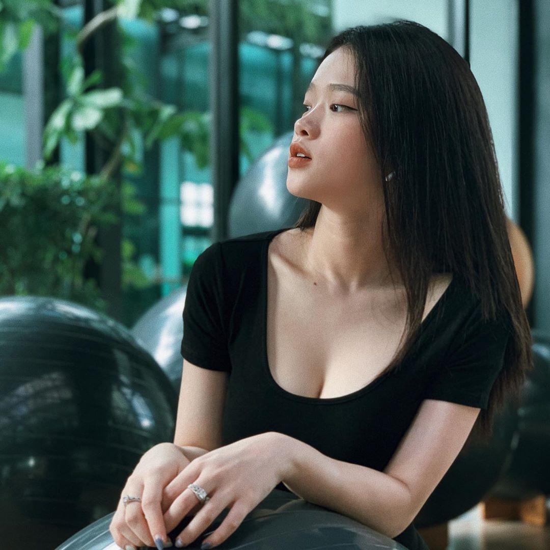 Ở 17 tuổi chưa lớn xong mà Linh Ka đã hút hồn như thế - Ảnh 4