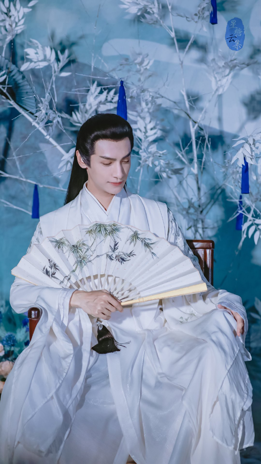 Cả nhà ra đây mà xem, La Vân Hi múa võ hệt như Tiểu Long Nữ ở hậu trường phim Nguyệt Thượng Trọng Hỏa - Ảnh 21.