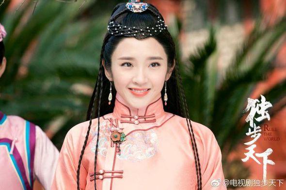 """5 mỹ nhân """"đệ nhất thiên hạ"""" trên màn ảnh Hoa ngữ: Thượng thần Dương Mịch bít cửa trước cô cô Lý Nhược Đồng - Ảnh 12."""