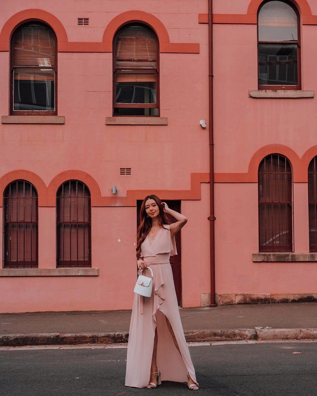 """VZN News: Blogger bị vợ 2 Minh Nhựa """"mượn"""" ảnh: Style sang chảnh, quần áo chỉ mặc 1 lần rồi bán lại 1/2 giá - Ảnh 13."""