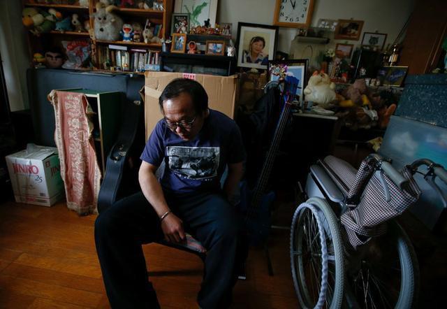 VZN News: Những đứa trẻ mãi không trưởng thành ở Nhật Bản: Cái giá phải trả của những cha mẹ bao bọc con cả đời, đến chết cũng không thể nhắm mắt xuôi tay - Ảnh 1.