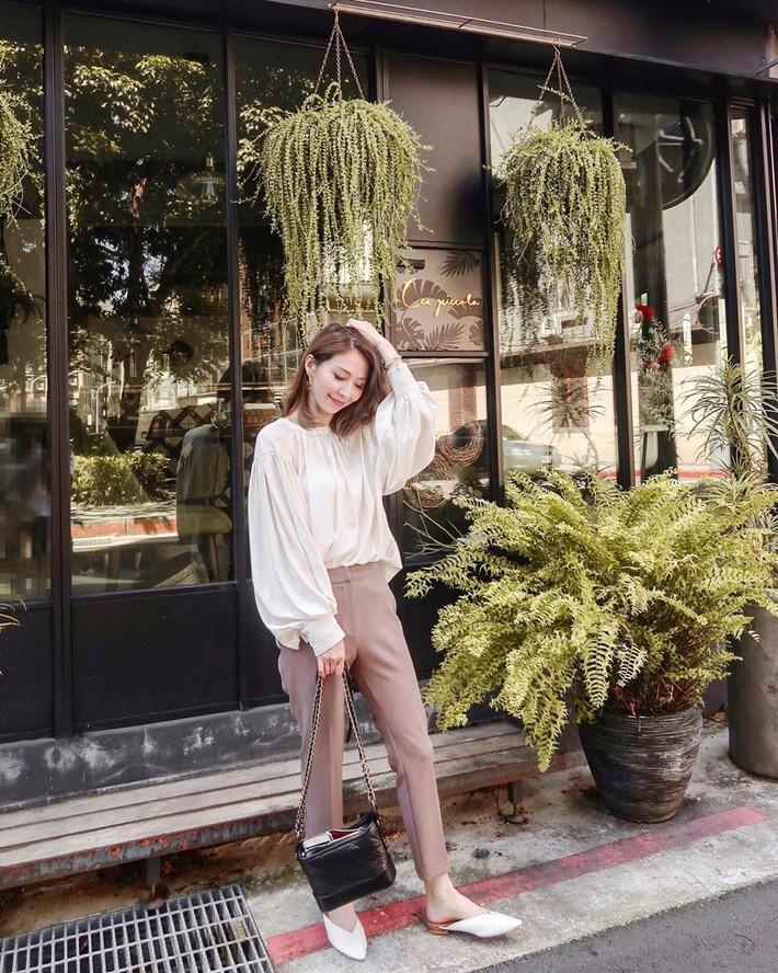 VZN News: Street style châu Á: Đơn giản mà vẫn cuốn hút, nàng công sở học ngay để lên đồ cho cả tuần mặc đẹp - Ảnh 12.