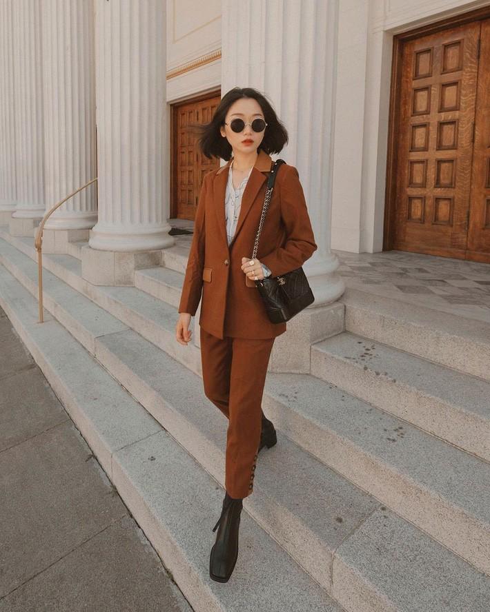 VZN News: Street style châu Á: Đơn giản mà vẫn cuốn hút, n& agrave;ng công sở học ngay để lên đồ cho cả tuần mặc đẹp - Ảnh 9.