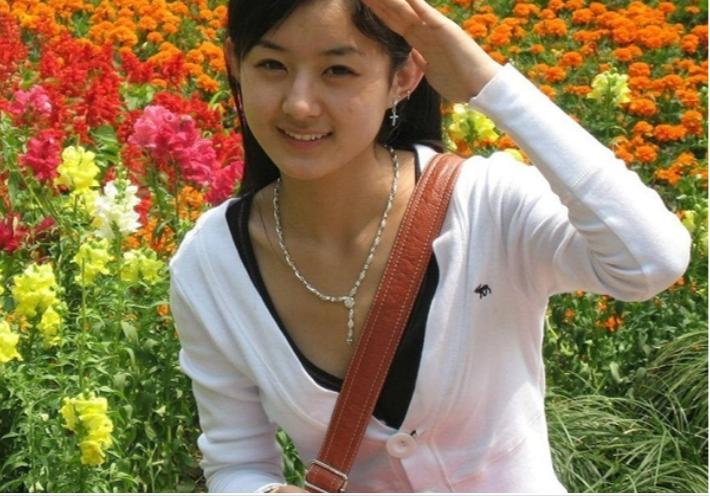 VZN News: Nhan sắc của các mỹ nhân Cbiz đình đám thời đi học: Ai cũng gây choáng vì quá đẹp, riêng Dương Tử gây tranh cãi - Ảnh 16.