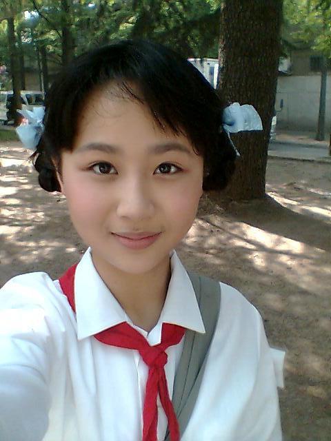 VZN News: Nhan sắc của các mỹ nhân Cbiz đình đám thời đi học: Ai cũng gây choáng vì quá đẹp, riêng Dương Tử gây tranh cãi - Ảnh 18.