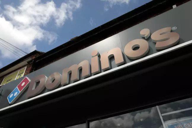Việc nhẹ lương cao: cửa hàng pizza Úc tuyển nhân viên ngồi ăn full-time, tuy nhiên điều kiện đặt ra lại làm anh em ma cà rồng thất nghiệp - Ảnh 2.