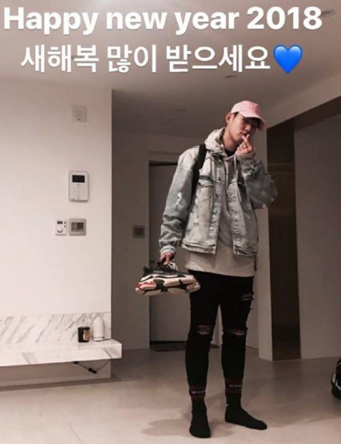 Lầy lội như Son Heung-min: Diện quần đùi, dép lê tới nhận giải Vận động viên xuất sắc nhất châu Á - Ảnh 4.