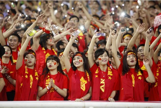 Chuyện một dân tộc yêu bóng đá: Chín mươi triệu nụ cười và mười một chàng trai sân cỏ - Ảnh 4.