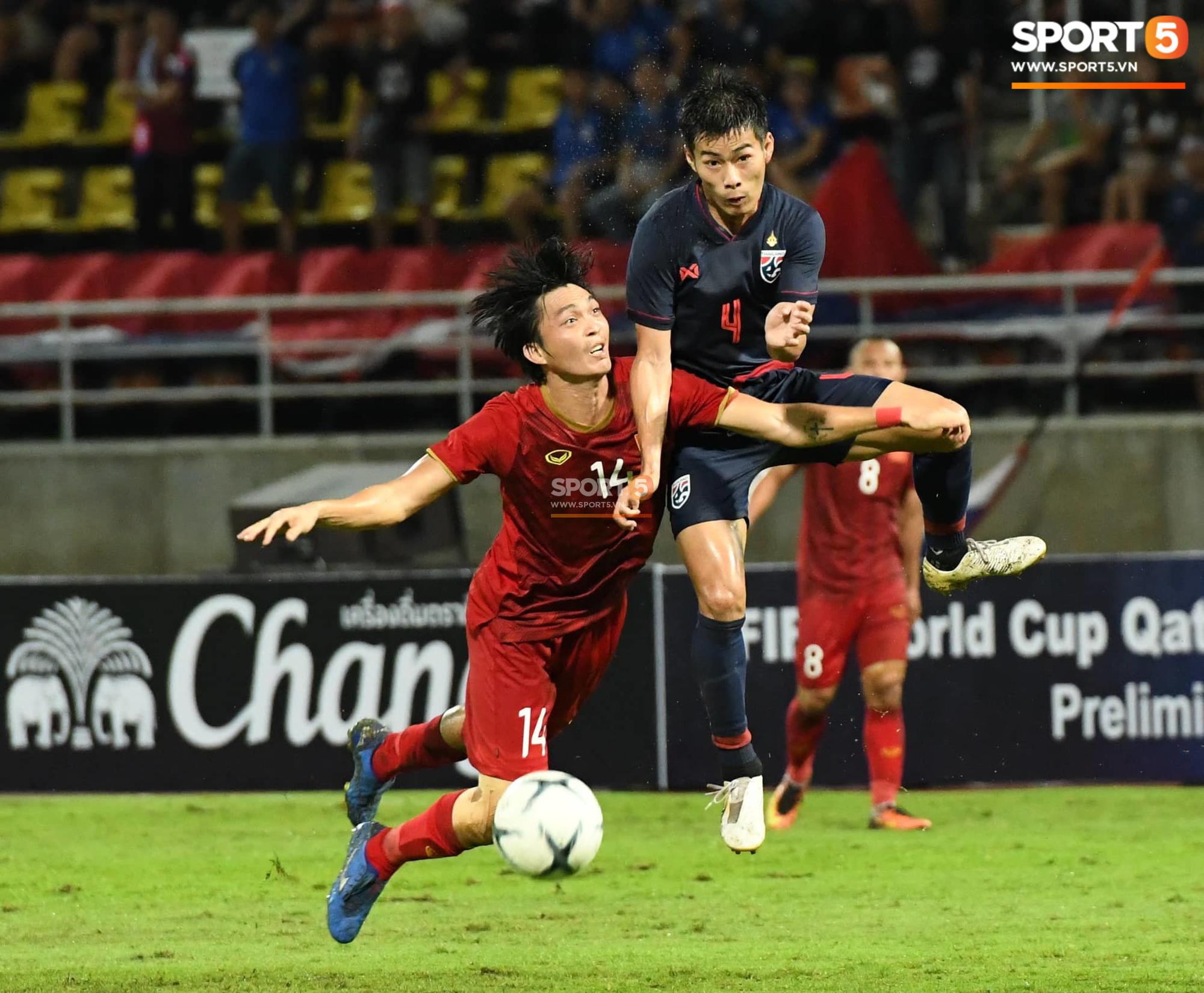 VZN News: Huyền thoại Kiatisuk chỉ ra lý do khó đỡ khiến Thái Lan không thể ghi bàn vào lưới Việt Nam - Ảnh 1.