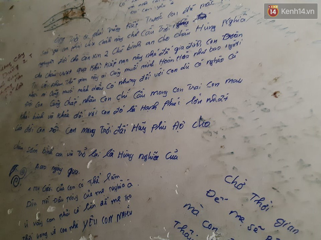 """Xúc động những dòng thư trên bức tường loang lổ ngoài phòng mổ của viện E: """"4 lần mẹ phải ở đây chờ con rồi, con ơi... - Ảnh 15."""