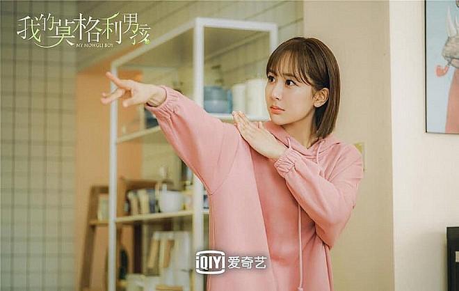 VZN News: 5 nhà mốt trên màn ảnh Trung: Triệu Lệ Dĩnh có siêu năng lực biến hàng hiệu thành đồ chợ, Na Trát thở thôi cũng thấy đẹp - Ảnh 17.