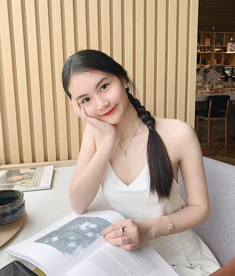 VZN News: Mẫu nhí 13 tuổi từng nổi đình đám vì chiều cao 1m73: Giờ đã là thiếu nữ 18 tuổi xinh đẹp và sang chảnh hết nấc - Ảnh 10.