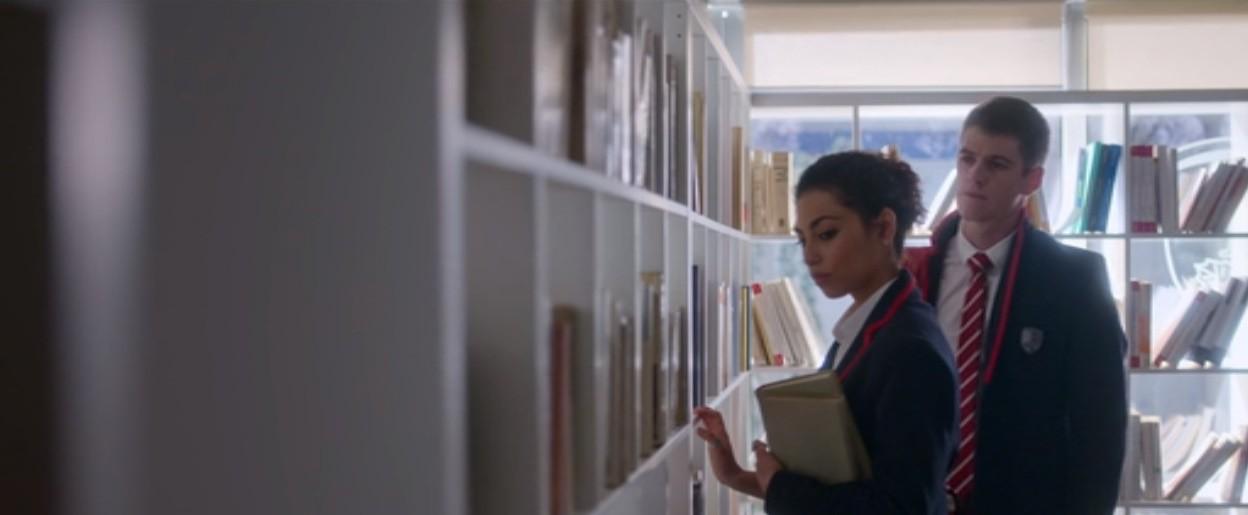 Review Elite season 2: Kì án học đường gay cấn, dàn trai xinh gái đẹp Tây Ban Nha đẹp đến no mắt - Ảnh 4.