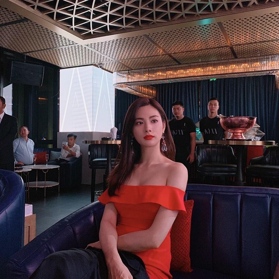 VZN News: Ảnh hậu trường sự kiện ở Việt Nam của Nana khiến Dispatch phải để ý: Câm nín đẳng cấp body mỹ nhân đẹp nhất thế giới! - Ảnh 1.