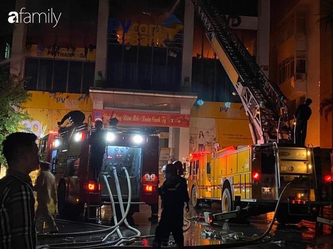 Danh tính 2 cô gái trẻ tử vong thương tâm trong vụ cháy tòa nhà ngân hàng dầu khí ở Thanh Hóa - Ảnh 2.