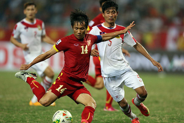 Đức Huy cà khịa hai đàn anh lớn tuổi nhất Hà Nội FC vì đăng nhiều status và chỉ biết uống nước lọc - ảnh 3