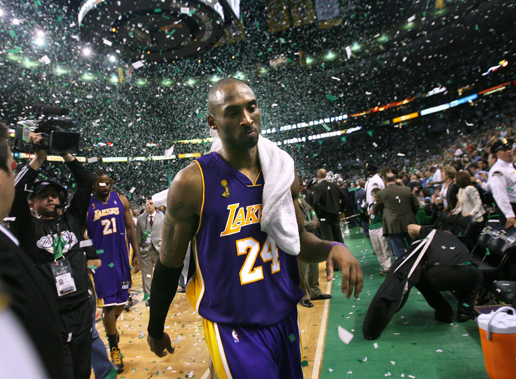 Kobe Bryant: Người hùng sẽ đến rồi đi, nhưng huyền thoại sẽ sống mãi - Ảnh 10.