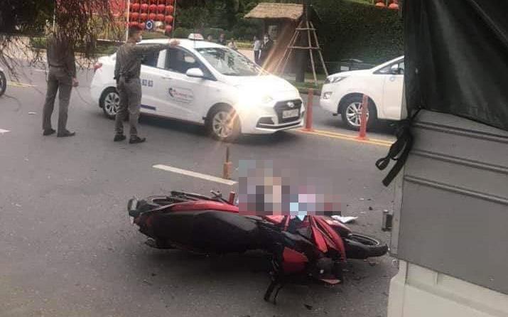 Tông vào đuôi xe tải đang đỗ bên đường, em trai chết thảm trên đường chở anh từ Huế vào Đà Nẵng chơi Tết