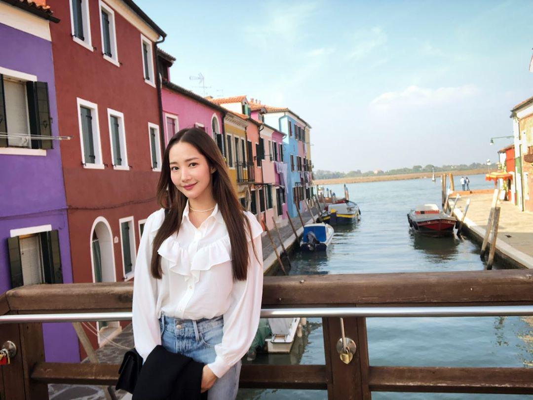 Học Park Min Young 3 set đồ chuẩn đẹp mùa Thu cực dễ mua dễ mặc - Ảnh 2.