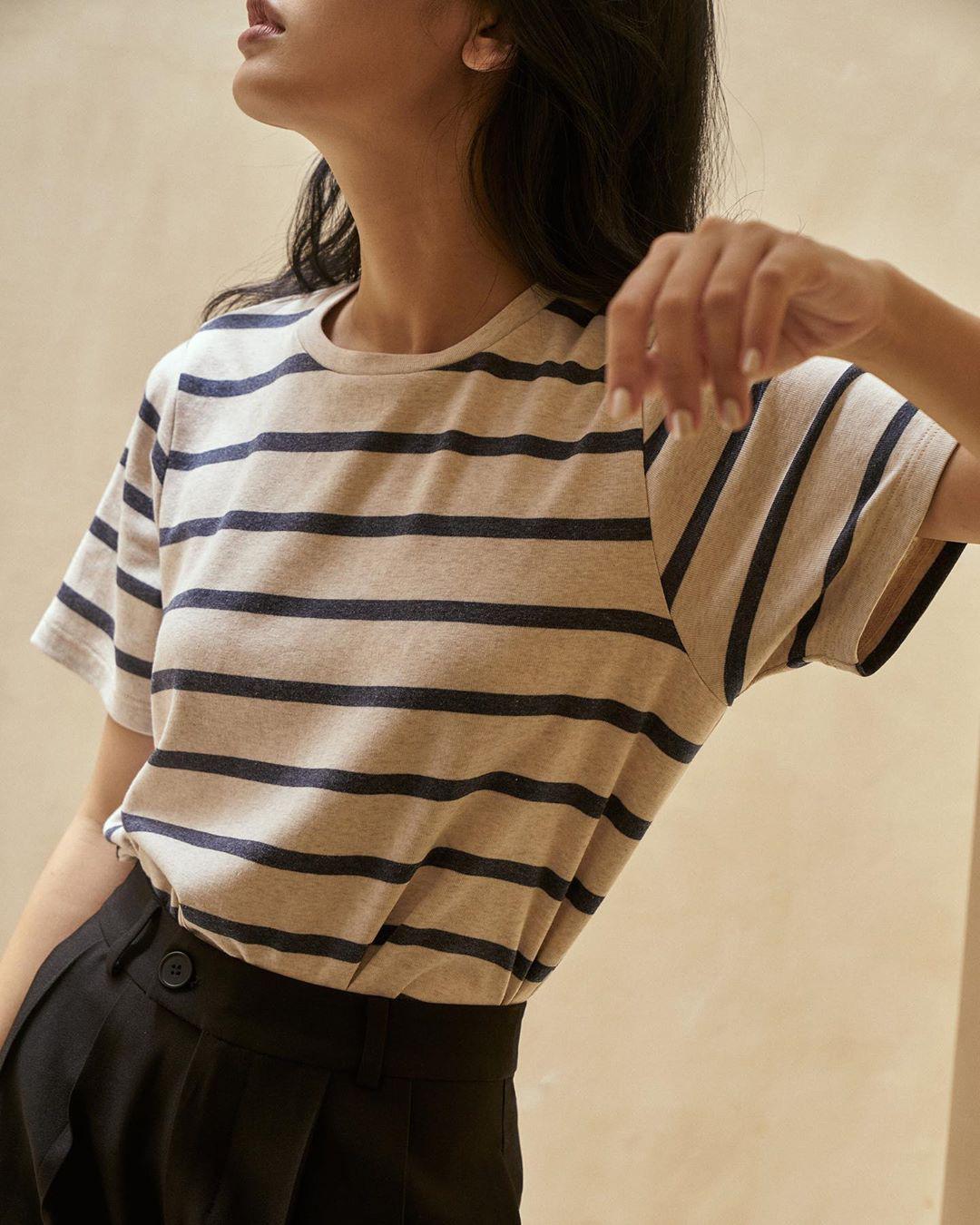 Thiếu đi 1 chiếc áo kẻ là bạn đã tự đánh tụt điểm style của mình so với hội chị em bạn dì  - Ảnh 16.