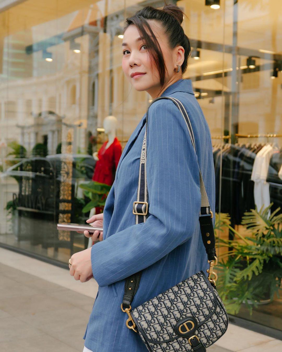 3 kiểu áo khoác khi trời trở lạnh được lòng hội sao Vbiz: Copy theo các nàng sẽ thấy style xịn hơn liền  - Ảnh 2.